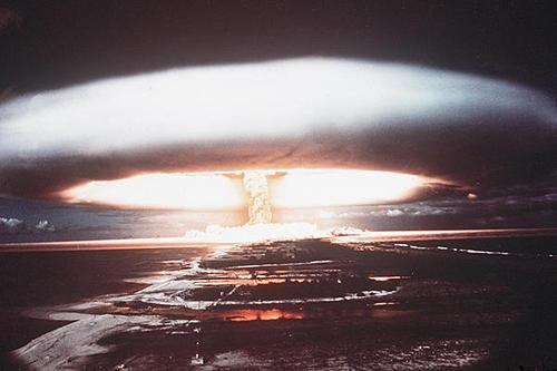 0513-nuclear-bomb-oil-spill_full_600.jpg
